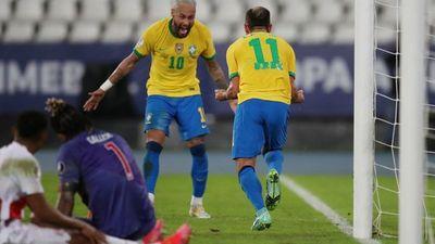 Brasil sigue su andar perfecto