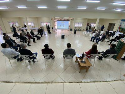 """Ministro de Educación: """"No vine a bajar líneas, sino a dar participación al Chaco"""""""
