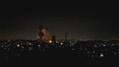 Por segundo día Israel bombardea la Franja de Gaza en respuesta al lanzamiento de globos incendiarios (Video)