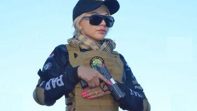 Cañearon a la Barbie por mostrar su pistola