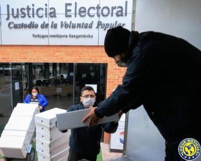 El TSJE distribuye máquinas de votación en Central •