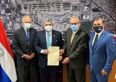 Acordaron trabajar en la creación del servicio aéreo sin escalas de Miami a Asunción