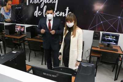 Ministerio de Trabajo inauguró sala de tutoría para generación digital en el SNPP