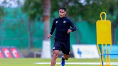 Osvaldo Martínez firma y ya entrena con su club en México