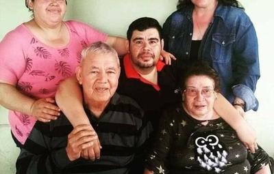 """""""En 22 días me quedé sin familia"""", escribió un hombre que perdió a sus padres y hermanas"""