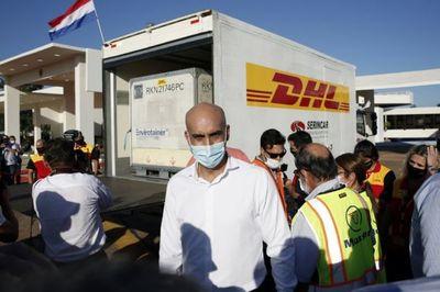 Mazzoleni cerró puertas al diálogo para acelerar la compra de vacunas