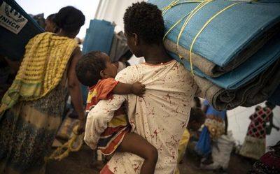 Récord de refugiados y desplazados en 2020 a pesar de la pandemia
