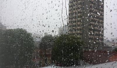 Continuarán los vientos del sur y las precipitaciones