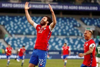Chile vence a Bolivia con gol inglés y se afianza en Grupo A