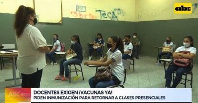 Docentes exigen inmunizarse para volver a clases presenciales