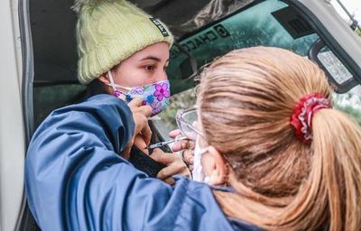 """Paraguay arrancó el """"Día E"""" con vacunación a embarazadas mayores de 18 años"""