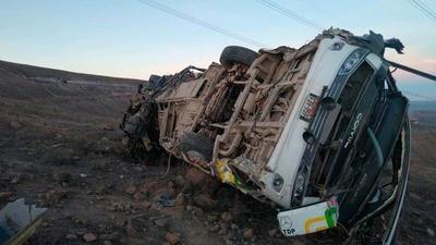 En Perú, un accidente de autobús dejó un saldo de 27 víctimas fatales