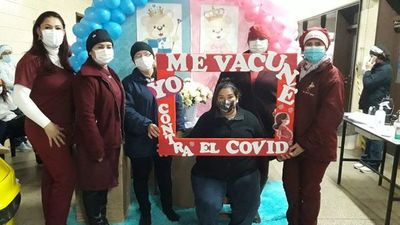 Numerosas embarazadas inmunizadas pese a inestabilidad climática en Pedro Juan Caballero