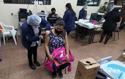 Considerable cantidad de embrazadas en los vacunatorios de Alto Paraná
