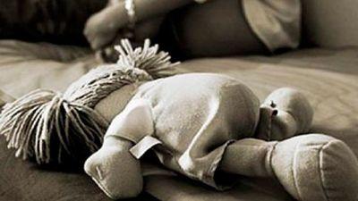 De terror: Niña de tres años muere por abuso y abuelastro es imputado