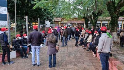 Sin incidentes comienza el sufragio de colorados en Villarrica