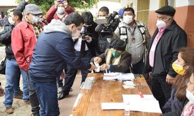 Vicepresidente votó e invitó a correligionarios a elegir a sus candidatos