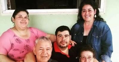 """La Nación / COVID se llevó a su mamá, papá y hermanas: """"En 22 días me quedé sin familia"""""""