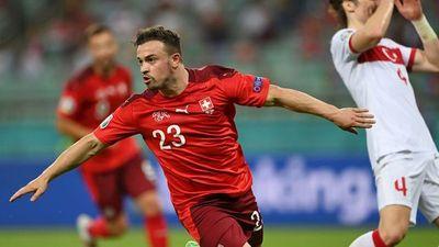 Suiza gana y compra medio billete a octavos de la Eurocopa