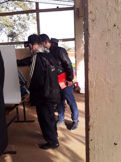 Incidentes en un local de votación en Félix Pérez Cardozo obligó a suspensión momentánea de sufragio