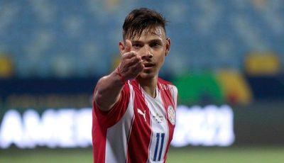 Ángel Romero; uno de los goleadores de la Copa América junto a Neymar