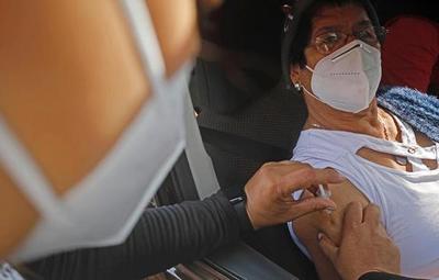 Desde este lunes Salud amplía vacunación contra el Covid-19 a personas de 52 años