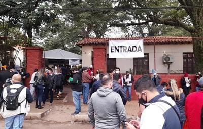 Internas: colegios electorales cierran sus puertas