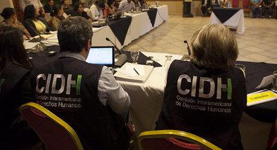 CIDH insta a los países a proteger más a personas que piden asilo y refugiadas