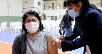 La Nación / Concluyó por hoy jornada de vacunación y habilitan mañana la franja de 52 años