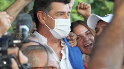Con apretado resultado, Efraín Alegre es reelecto como presidente del PLRA