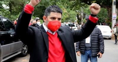"""La Nación / Óscar """"Nenecho"""" Rodríguez supera a Daniel Centurión en las internas municipales"""