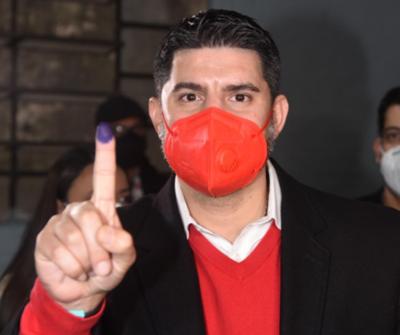 """""""Nenecho"""" Rodríguez gana las Internas de la ANR"""