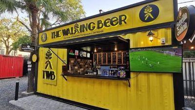 The Walking Beer, un proyecto que ayuda a las cervecerías nacionales (en buenos tiempos venden alrededor de 2.500 litros al mes)