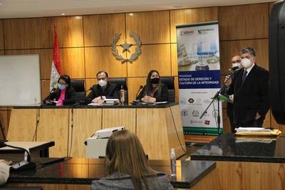 Simularon juicios orales para instar a la inclusión del guaraní