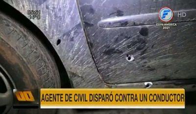 Policía dispara contra conductor tras discusión por roce vehicular