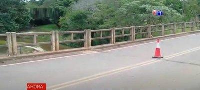 Denuncian fisuras en puente que une las ciudades de Valenzuela y Caballero