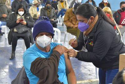 Se inició vacunación con dosis de Moderna en Guairá