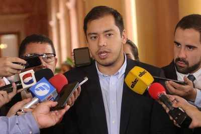 Patria Querida es un satélite de la ANR, dice candidato a intendente de CDE