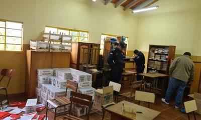 Desconocidos roban televisores, termómetros y leche de escuela