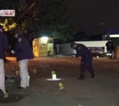 Policía disparó 9 veces contra conductor