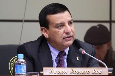 Diputado Romero Roa en UTI tras contraer Covid-19