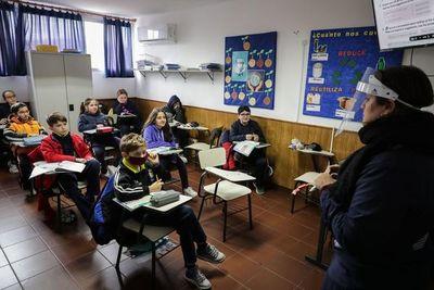 Uruguay vuelve a la totalidad de clases presenciales en primaria