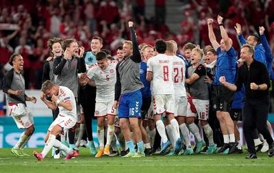 Dinamarca golea y clasifica segunda gracias a triunfo de Bélgica