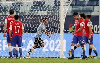 Uruguay logró su primer punto tras empatar 1-1 con Chile