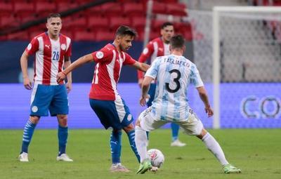 Final de la primera etapa: La Albirroja pierde ante Argentina