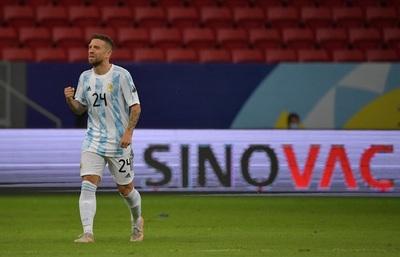Paraguay cae ante una Argentina que hizo muy poco para ganar