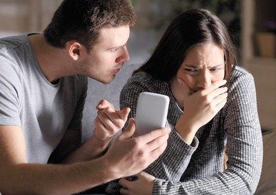 """Crónica / """"Mi novia me dejó hace unos días, el problema es que soy muy celoso"""""""