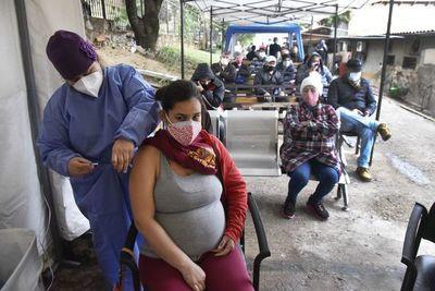 Crece entusiasmo por la vacunación anticovid de los nacidos hasta 1969