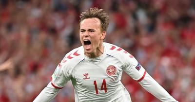 La Nación / Dinamarca y Austria se clasifican