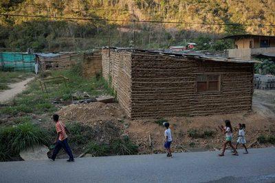 """ONU: Latinoamérica estará """"atrapada"""" hasta que universalice protección social"""